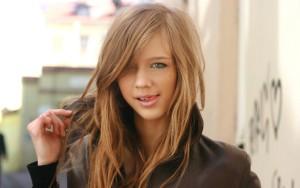 Юная девушка