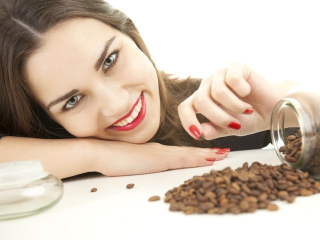 Маска для волос из кофе с коньяком