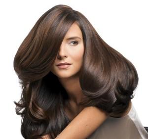Женщина с шикарными волосами